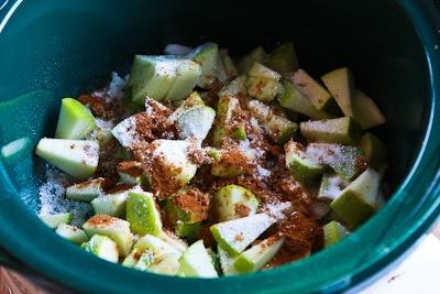 CrockPot Recipe for Make-Ahead Apple Pie Oatmeal found on KalynsKitchen.com