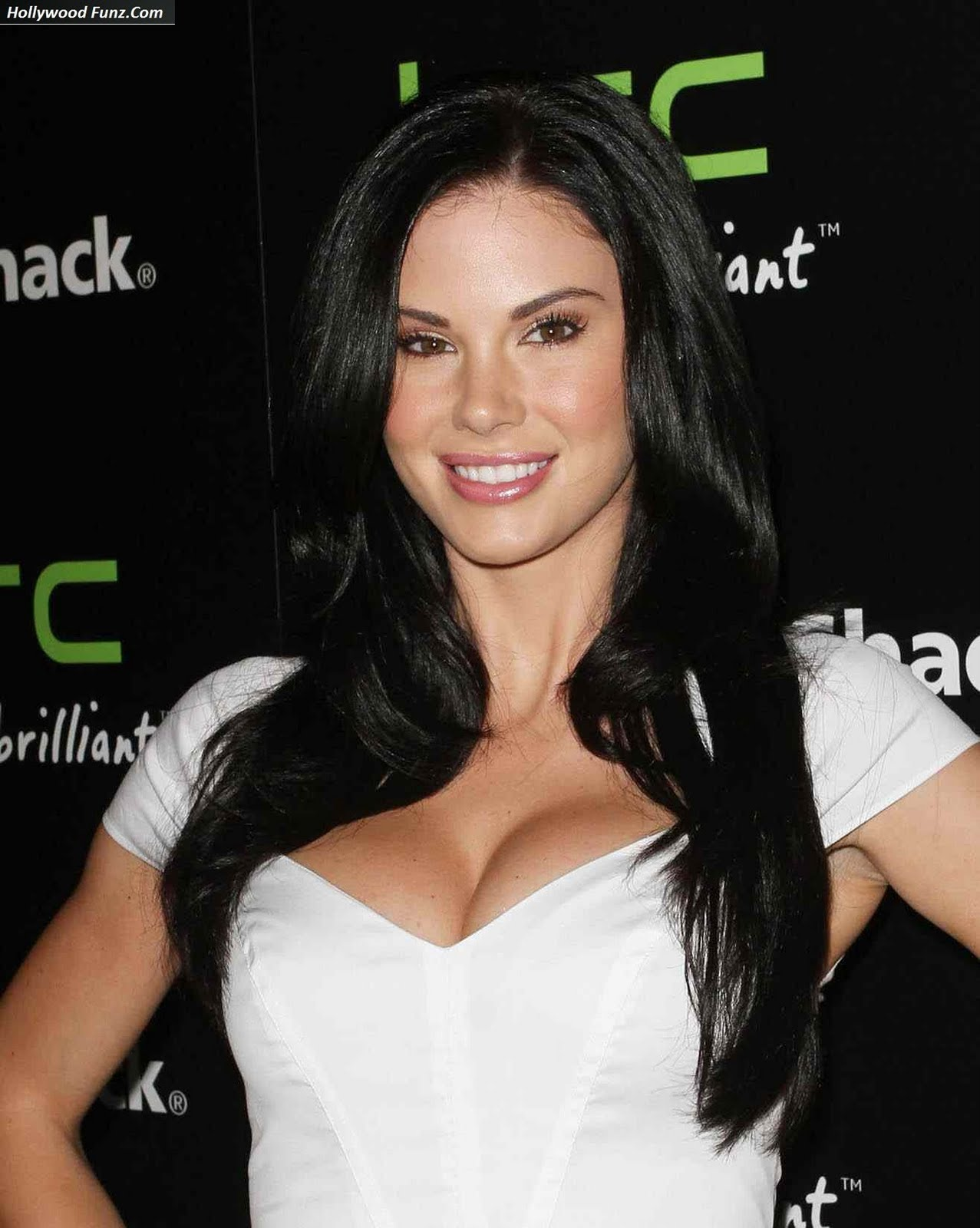 http://2.bp.blogspot.com/-If-8seq5gIo/Th7ojUvAK-I/AAAAAAAABcw/nXzTMCSFCWU/s1600/jayde_nicole_sweet_out_3.jpg