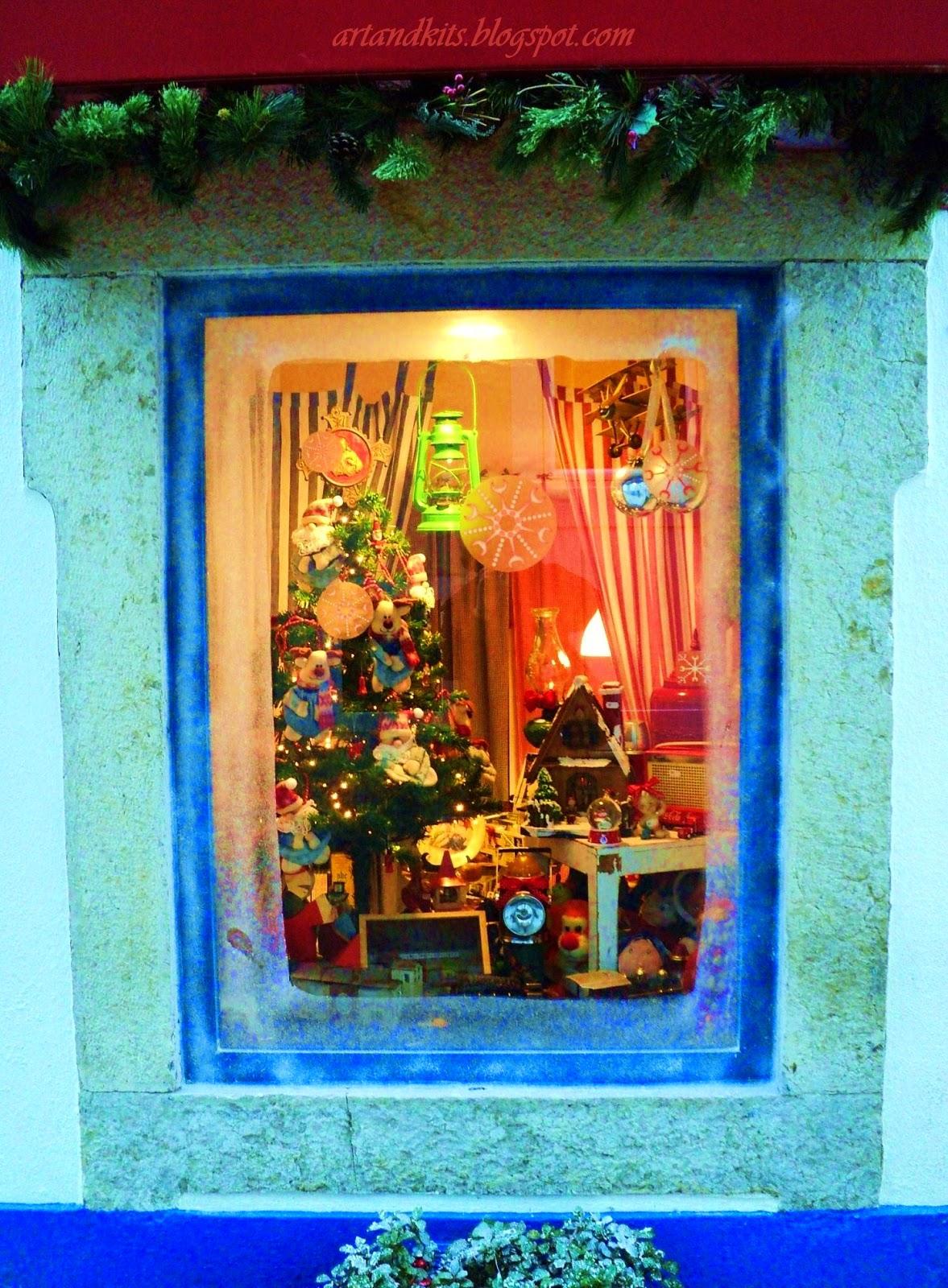 Feliz Natal, para todos! E que o verdadeiro espírito de Natal, esteja sempre presente, tanto quanto possível, em cada dia das nossas vidas... / Merry Christmas, to you all! And may the true spirit of Christmas, always be present, as much as possible, every day of our lives...