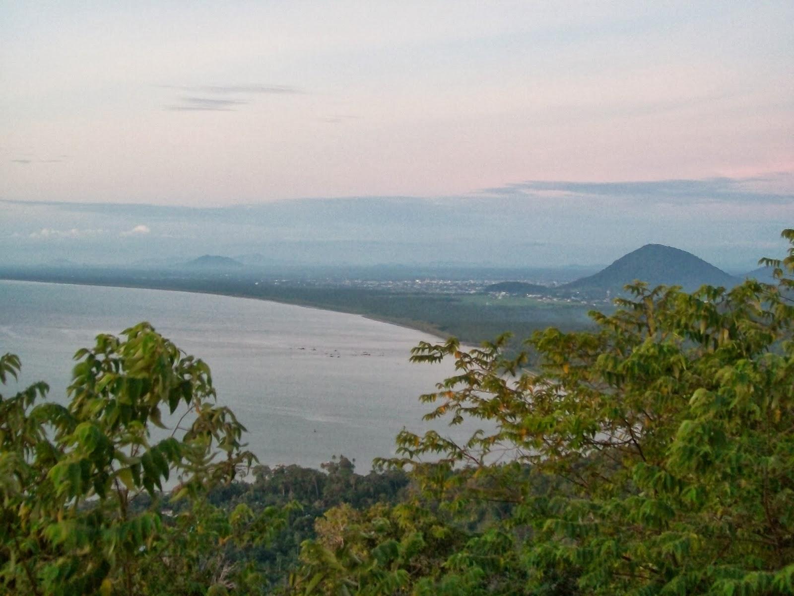 Pemandangan Kota Singkawang dari atas bukit