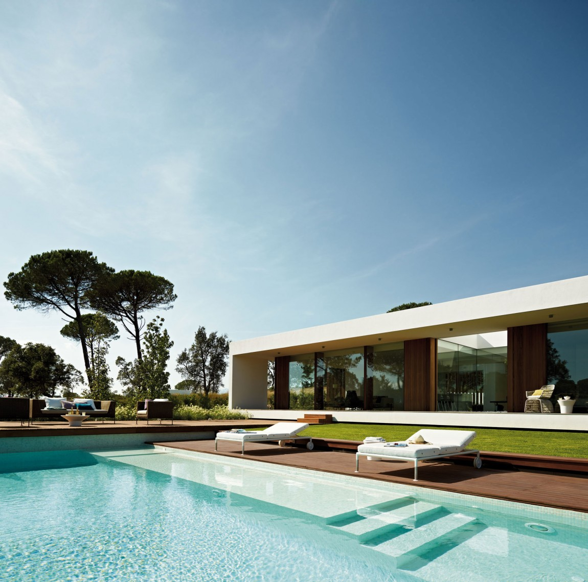 Modern villa indigo catalonia spain architecture for Pool villa design