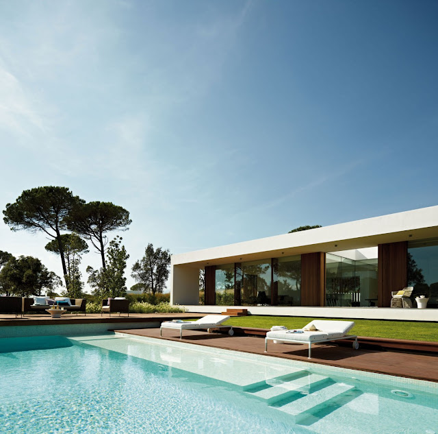 Swimming pool and modern villa Indigo