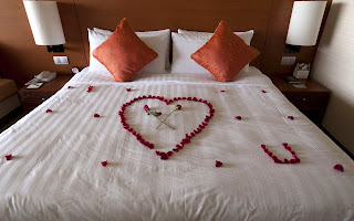The Bed Of Love HD Wallpaper