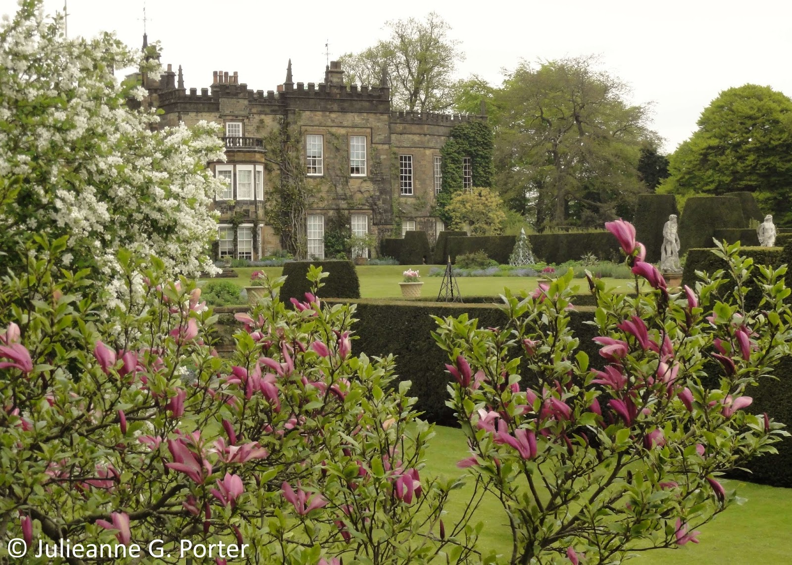 Gwenfar\'s Garden and other musings: Photo essay: Renishaw Hall ...