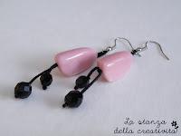 Orecchini in pietra rosa