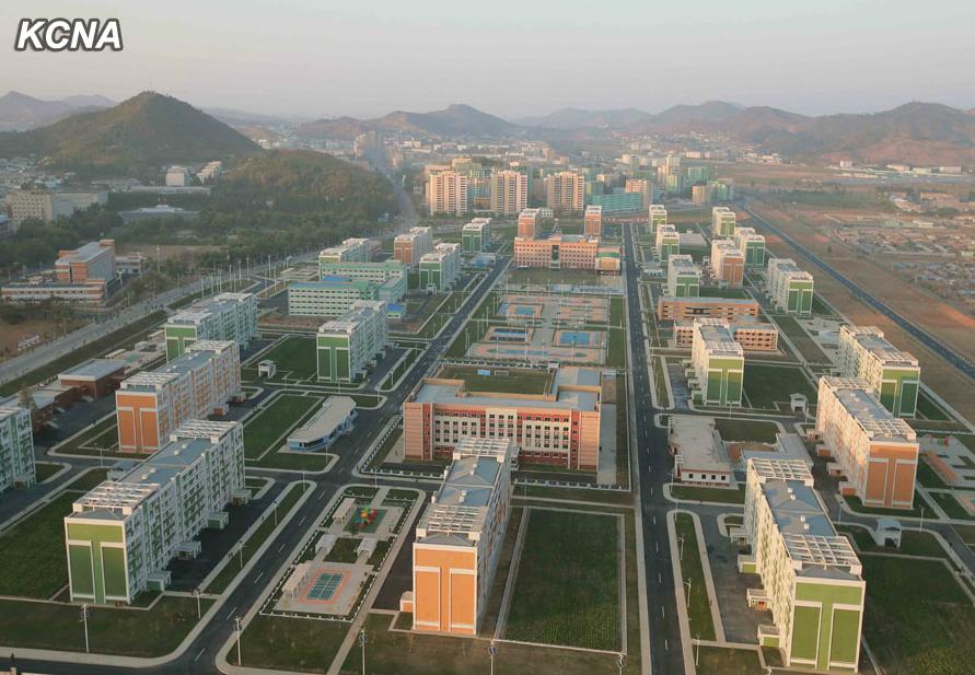 Impresionantes logros sociales y de Obras publicas de Corea del Norte en el 2014 Avenida%2Bfull