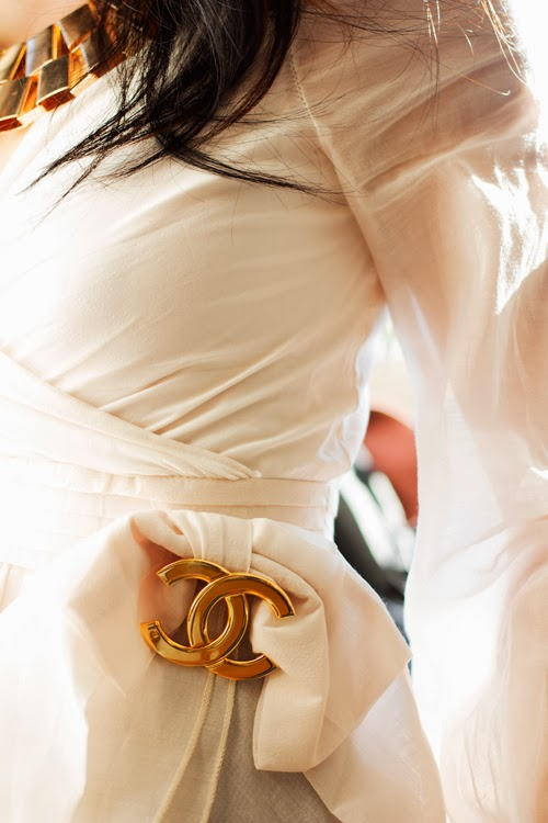 Vancouver Fashion blogger Jasmine Zhu, vintage chanel pin, ruffle white shirt
