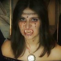 chicas disfrazadas de vampiresa de victoria frances