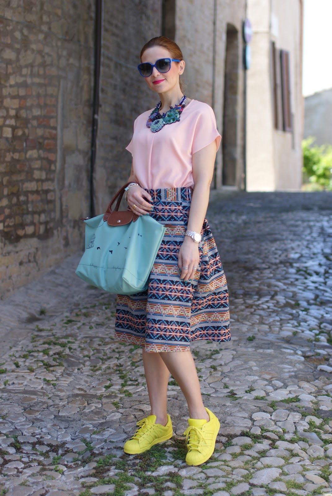 Le Pliage 2015, Longchamp Le Pliage cage aux oiseaux bag, jacquard midi skirt, skirt and sneakers, Fashion and Cookies fashion blog
