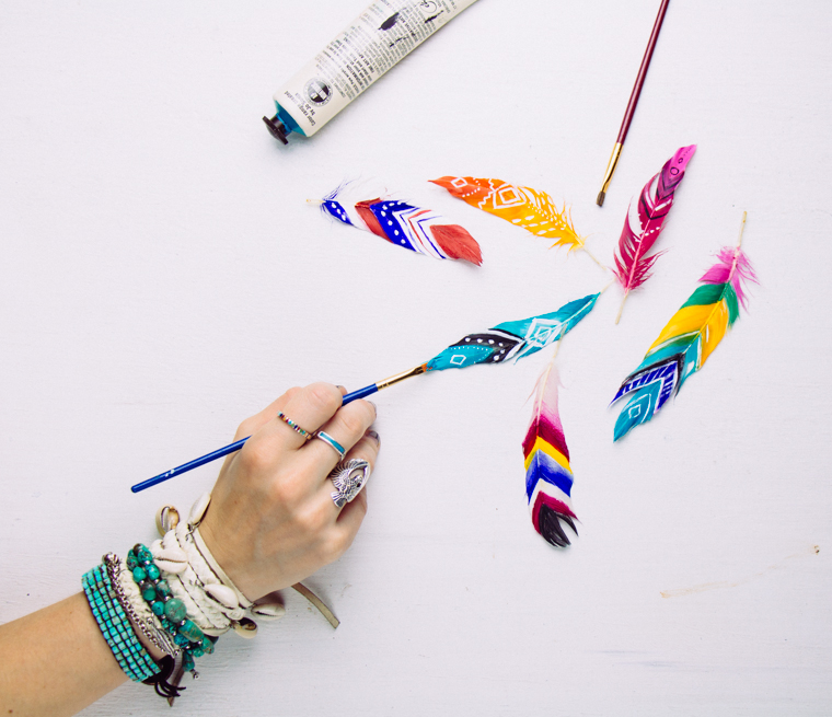 DIY Painted Feathers – SoulMakes