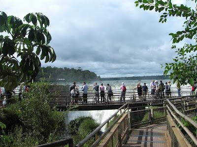Pasarelas en las Cataratas de Iguazú, Argentina, vuelta al mundo, round the world, La vuelta al mundo de Asun y Ricardo
