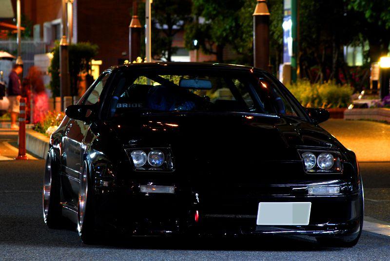 Mazda RX-7 FC samochód w nocy