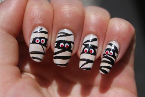 Halloween Mummy Nails Halloween toe nail designs