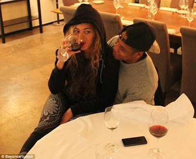BEYONCE SHARES AN INTIMATE DATE NIGHT PIC WITH JAY-Z