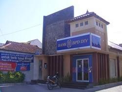 lowongan kerja Bank BPD DIY November 2013