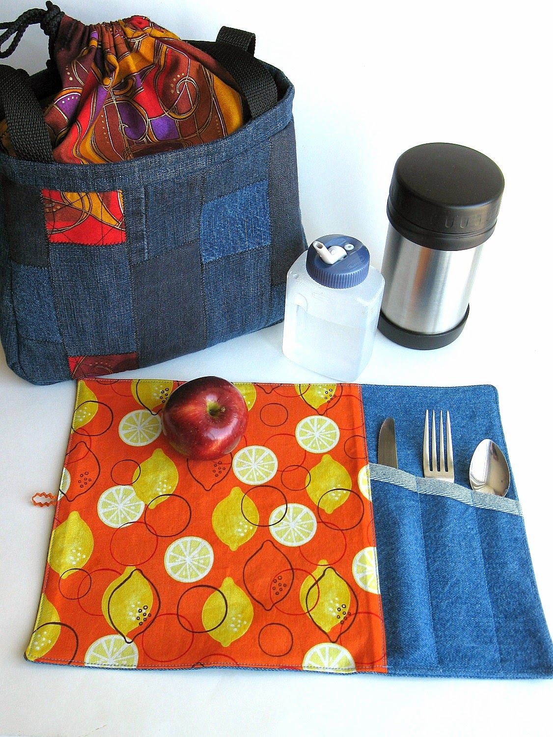 Napperon lunch  disponible à la boutique en ligne