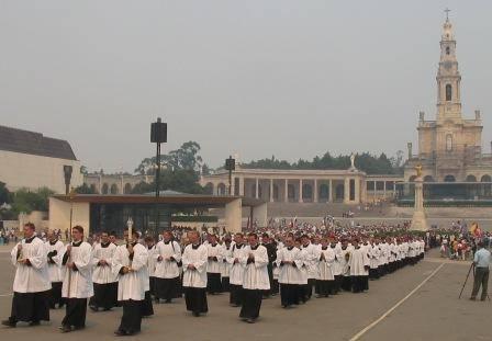 La Fraternidad Sacerdotal San Pío X en los cinco continentes