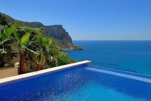 Decora y disena 10 dise os de piscinas sin fin for Diseno hidraulico de una piscina