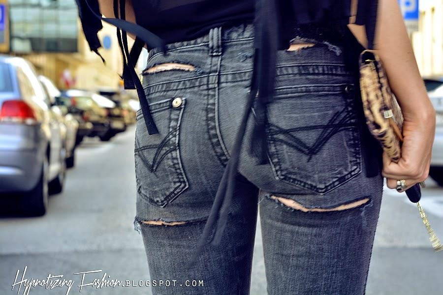 stylizacja poszarpane spodnie