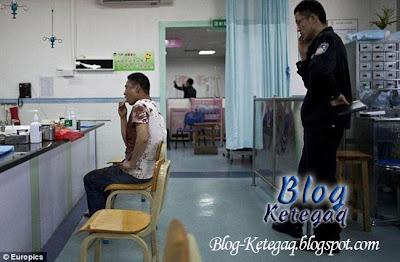 Suami bermandi darah setelah menangkap isterinya berlaku curang