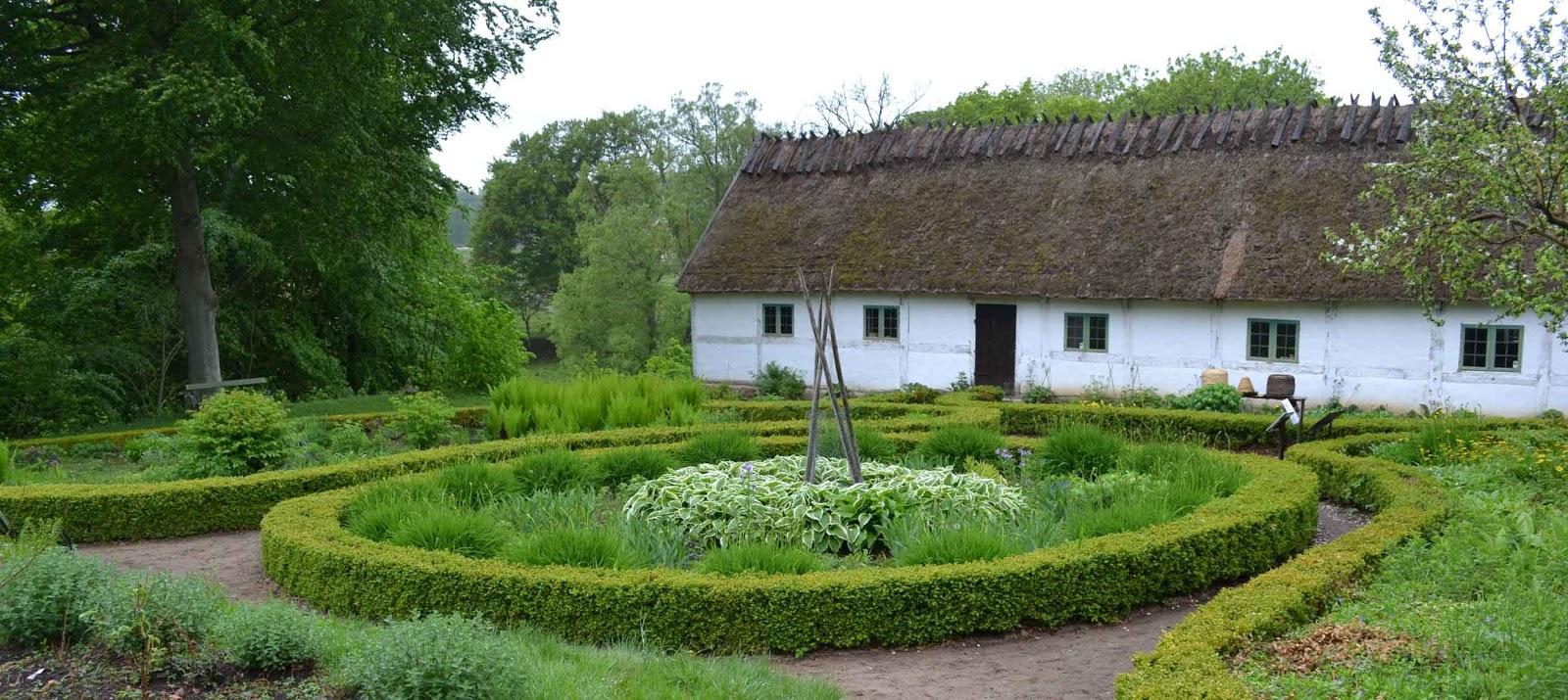 Vardag, trädgård & lite av varje!: Kulturens Östarp, Gamlegårds ...