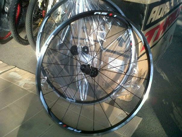 Wheelset Shimano RS-11 Majuroyal