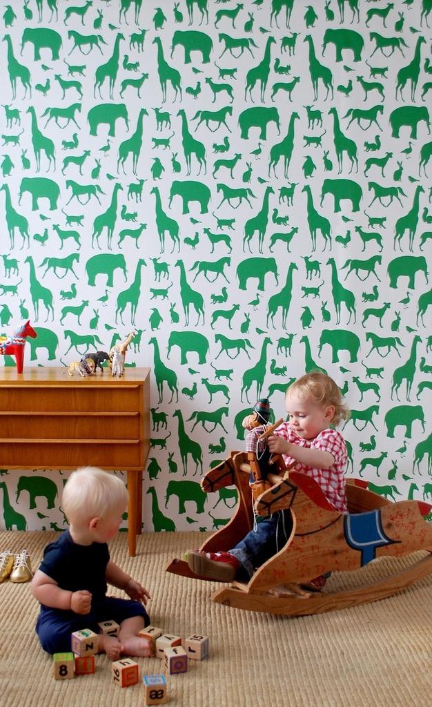 i have two kids motherhood mondays wallpaper. Black Bedroom Furniture Sets. Home Design Ideas