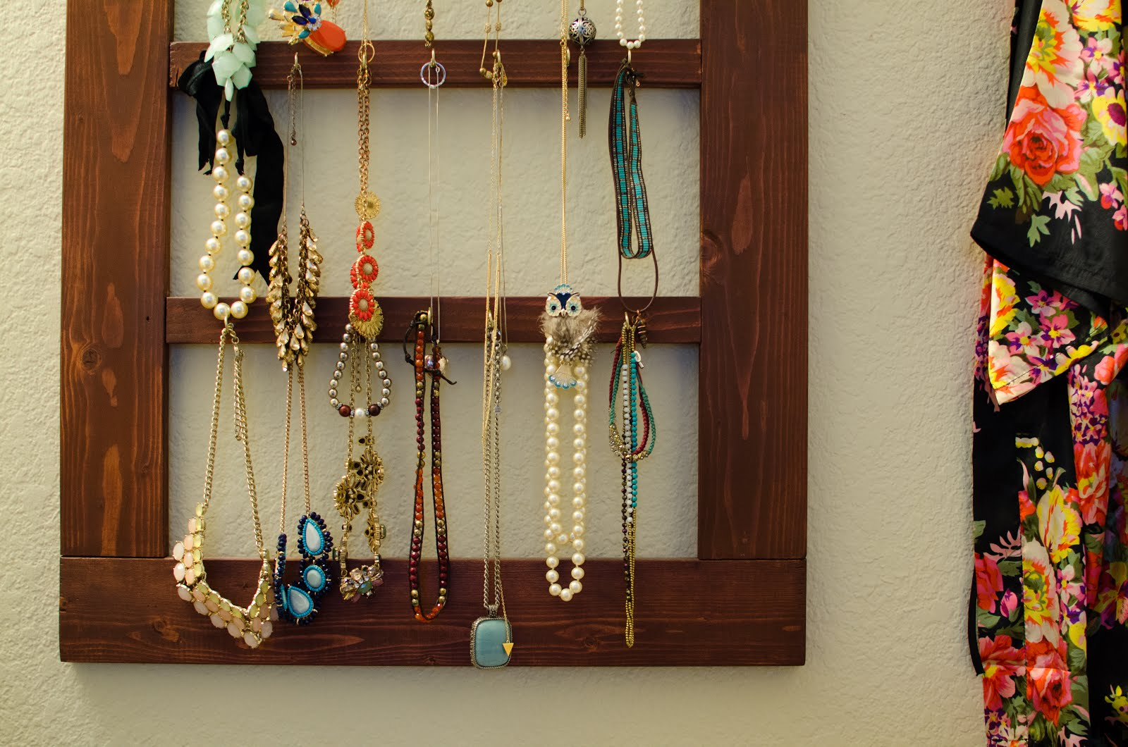 Foreign Room: My Homemade Jewelry Hanger