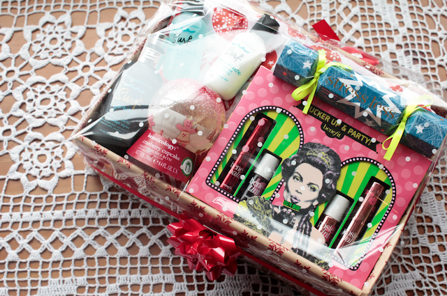 DIY Christmas Beauty Gift Hamper with Boots