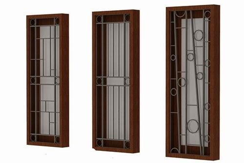 Tralis yang mempunyai keindahan dan bermacam bentuk, membuat jendela lebih menarik karena motifnya.