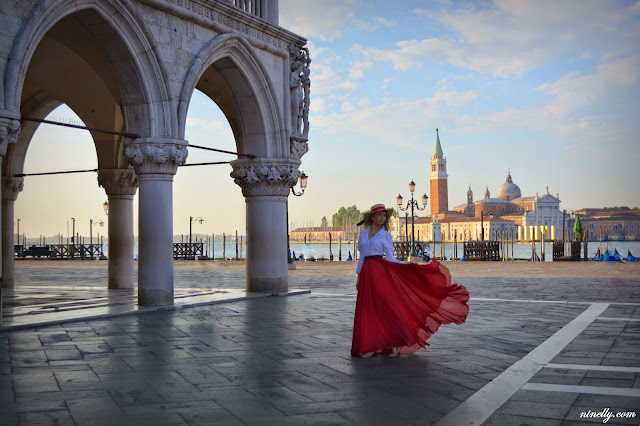 lifestyle and travel blogger from Russia Moscow