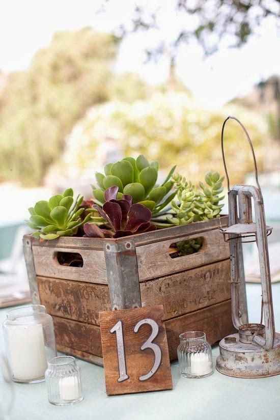 Bodas cucas cajas de madera para decorar tu boda for Decorar cajas de fruta para boda