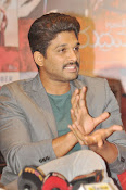 Allu Arjun latest stylish photos-thumbnail-8