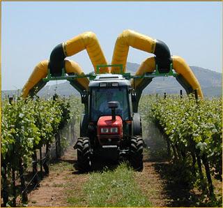 Memasuki era teknologi tinggi penggunaan alat alat pertanian dengan