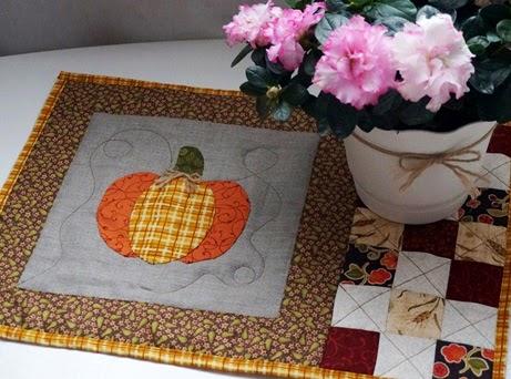 DIY, Tutorial, Lunch Mat Pattern, Pumpkin Lunch Mat, patchwork tutorial, quilted lunch mat, Салфетка Мастер-класс, салфетка пэчворк, ланчмат своими руками, осенний декор