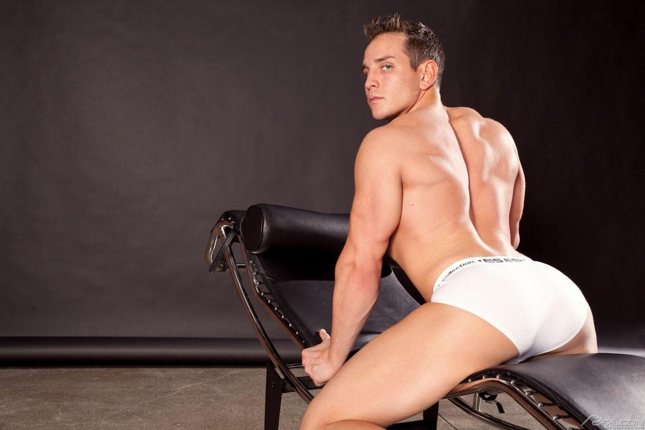 Dylan Roberts Gay