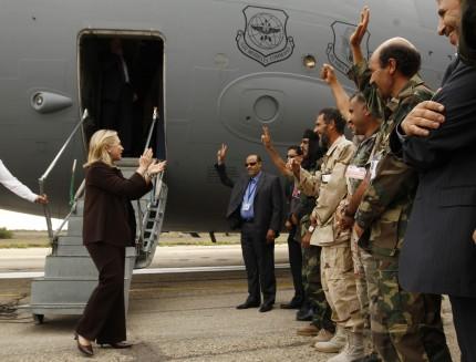 18 Οκτωβρίου 2011 είναι η ημέρα σύλληψης του Καντάφι από νατοϊκούς - Κρατήθηκε, ανακρίθηκε και παραδόθηκε για λιντσάρισμα μετά δύο μέρες!!!