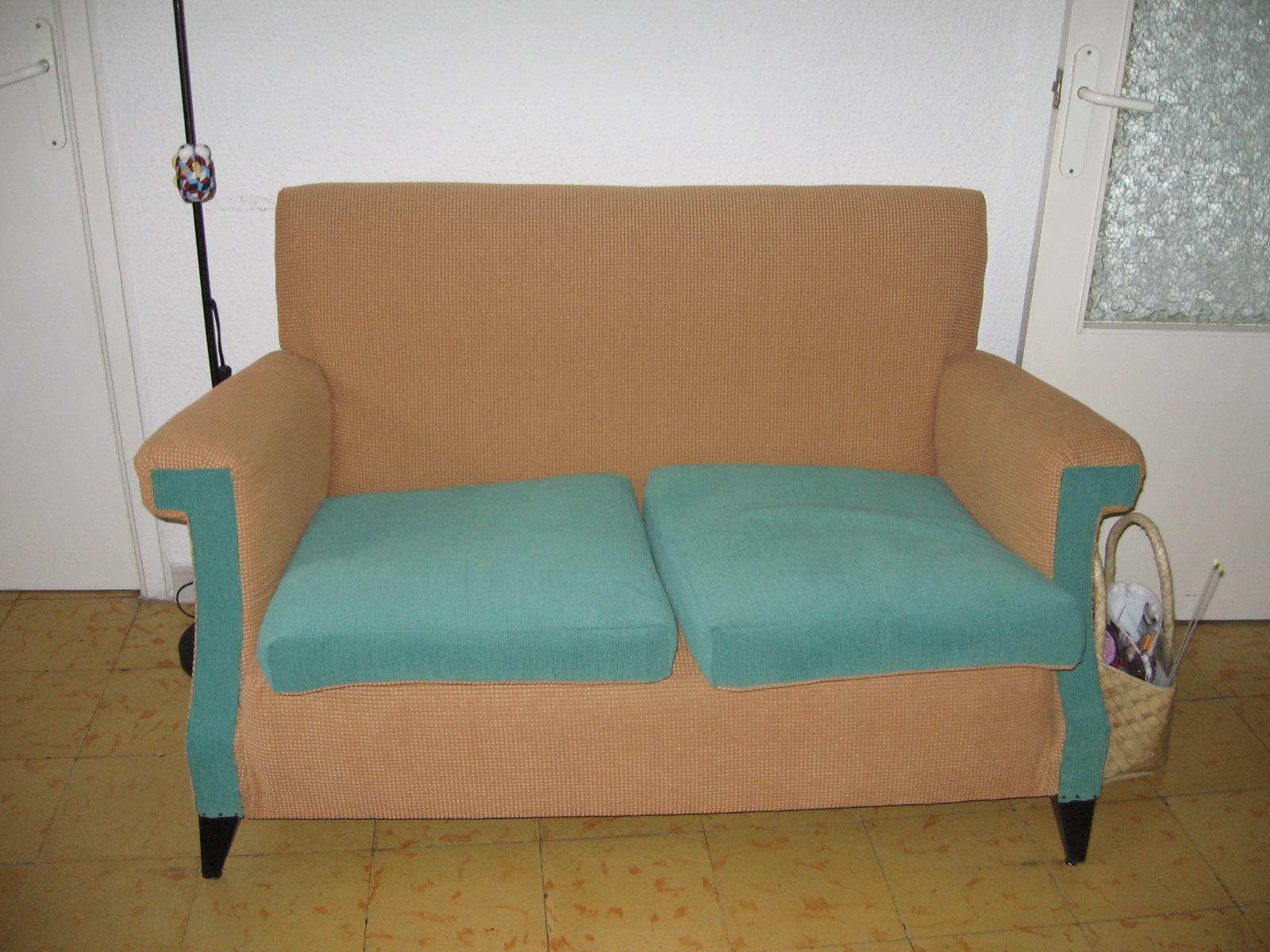 Punto y seguimos tapizado de sof for Sofas y punto
