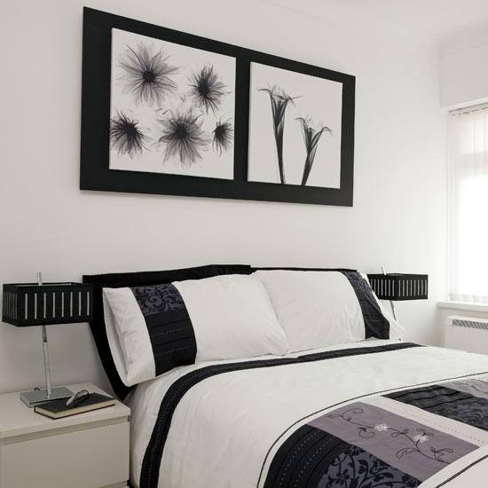 Elegan dan Glamour Kamar Tidur dengan Wallpaper Hitam