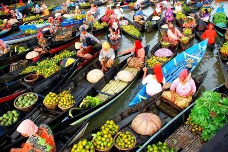 Pasar Apung Muara Kuin : Tempat wisata di kalimantan Selatan