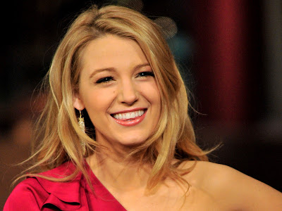 Blake Lively look hot in red dress