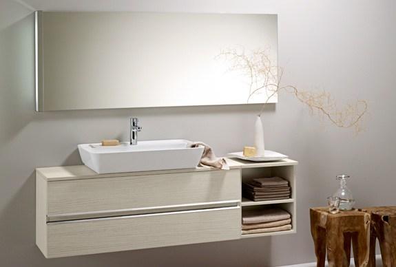 Bel mobile lavabo sospeso con specchio idea arredo - Lavabo sospeso con mobile ...
