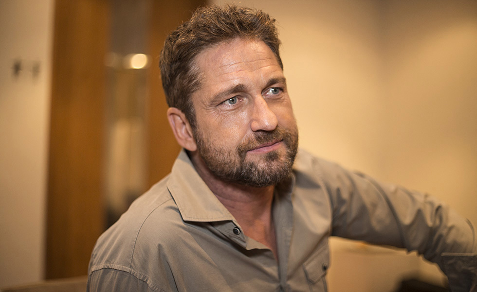 elegance of life gerard butler. Black Bedroom Furniture Sets. Home Design Ideas