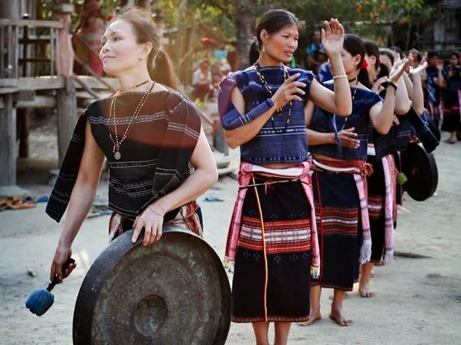 Gia Lai: Độc đáo đội chiêng nữ Bahnar làng Leng