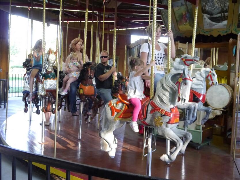 Pueblo's carousel