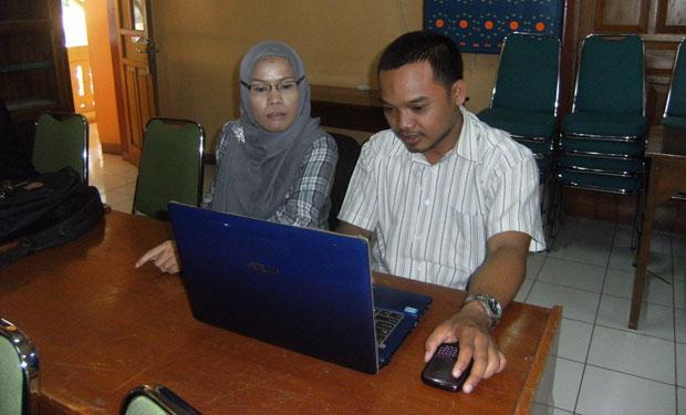 Membuat Website sekolah dengan menggunakan CMS Formulasi (LPMP, 9-10 Mei 2013)