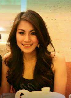 Sierra Soetedjo Penyanyi Jazz Cantik Indonesia | Jaring URL231