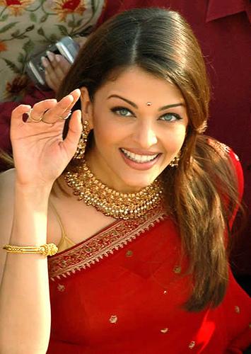 Aishwarya rai Hot pics, Videos, Movies, Bachchan family