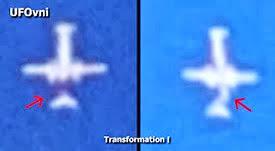 L'extraterrestre pilote l'avion, puis transformation, le 5 août 2013