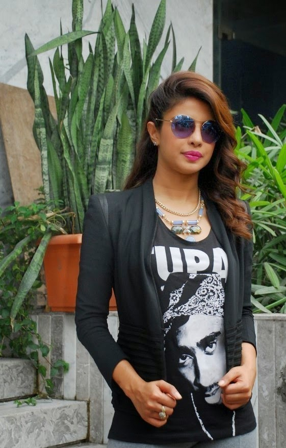 Priyanka Chopra Promotions at Reliance Digital Express Gallery